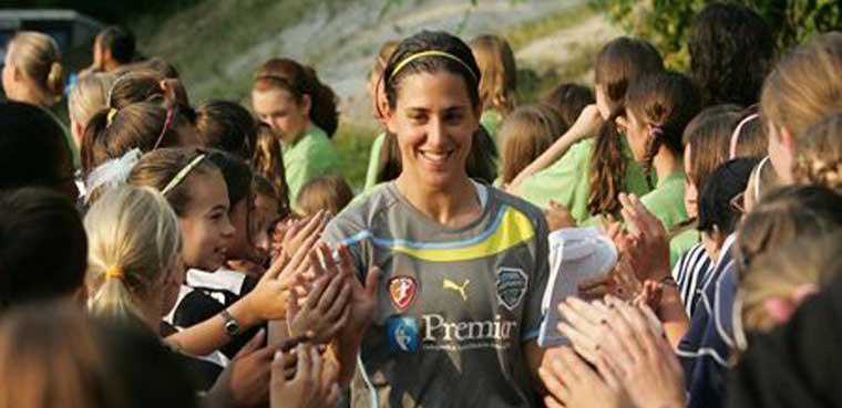 ¿Por qué no hay mujeres en el FIFA?